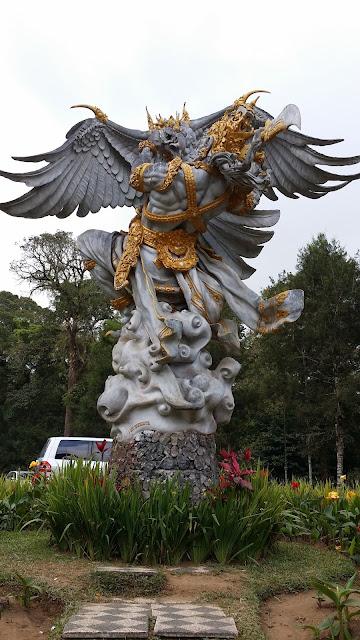 Estatua Jardín Botánico Bali