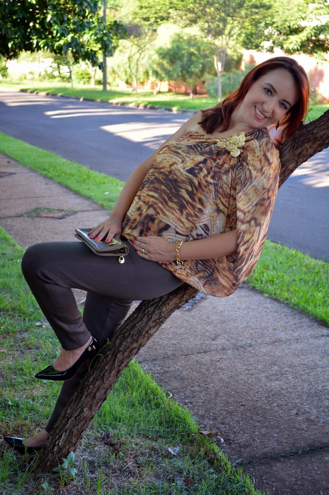 blusa de um ombro só, blusa estampada de um ombro só, decote de um ombro só, tendência verão 2015, calça montaria, calça montaria marrom, bolsa carteira, acessórios dourados, blog camila andrade, blog de moda em ribeirão preto, fashion blogger, blogueira de moda em ribeirão preto, look do dia, look inspiração, du jour
