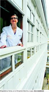"""Entrevista con Magdalena Verea, dermatóloga del Hospital de A Coruña: """"Llevar a un bebé a la playa es maltrato"""""""