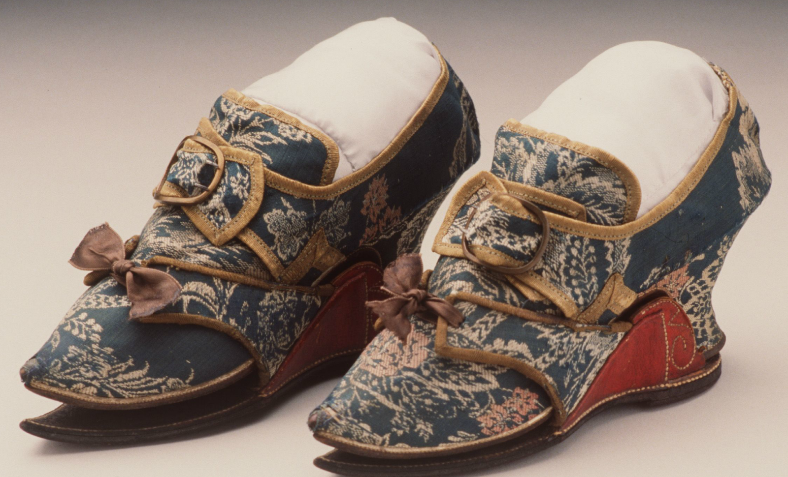 Two Nerdy History Girls Clogs For Keeping An 18th C. Ladyu0026#39;s Shoes Clean