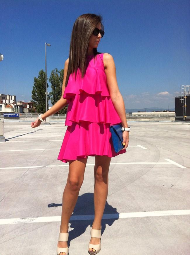 zara pink tiered dress, asos halo beige heels, asos halo sandals, asos hallo heels, asos hallo sandals, asos electric blue clutch blogger, how to wear clutch, clutches blogger, i heart maya