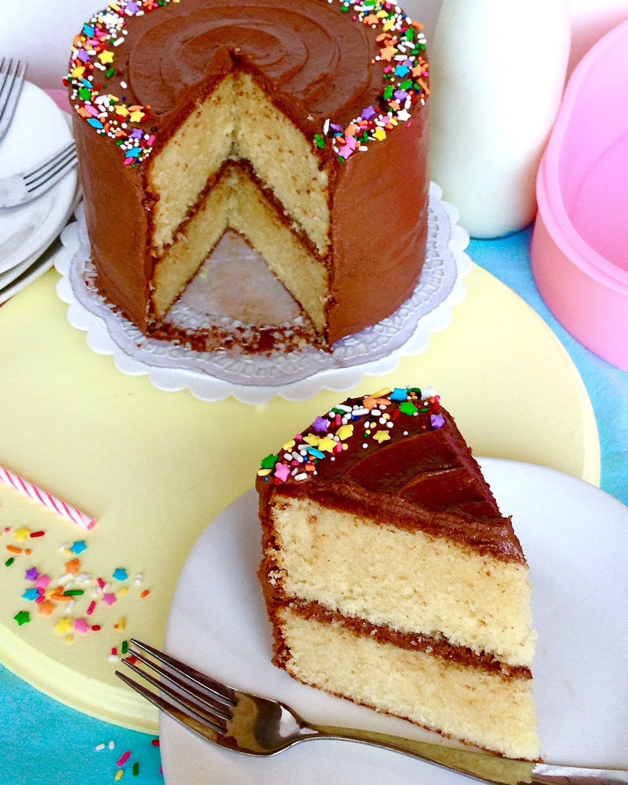 Vanilla Cake With Easy Chocolate Frosting Lindsay Ann Bakes
