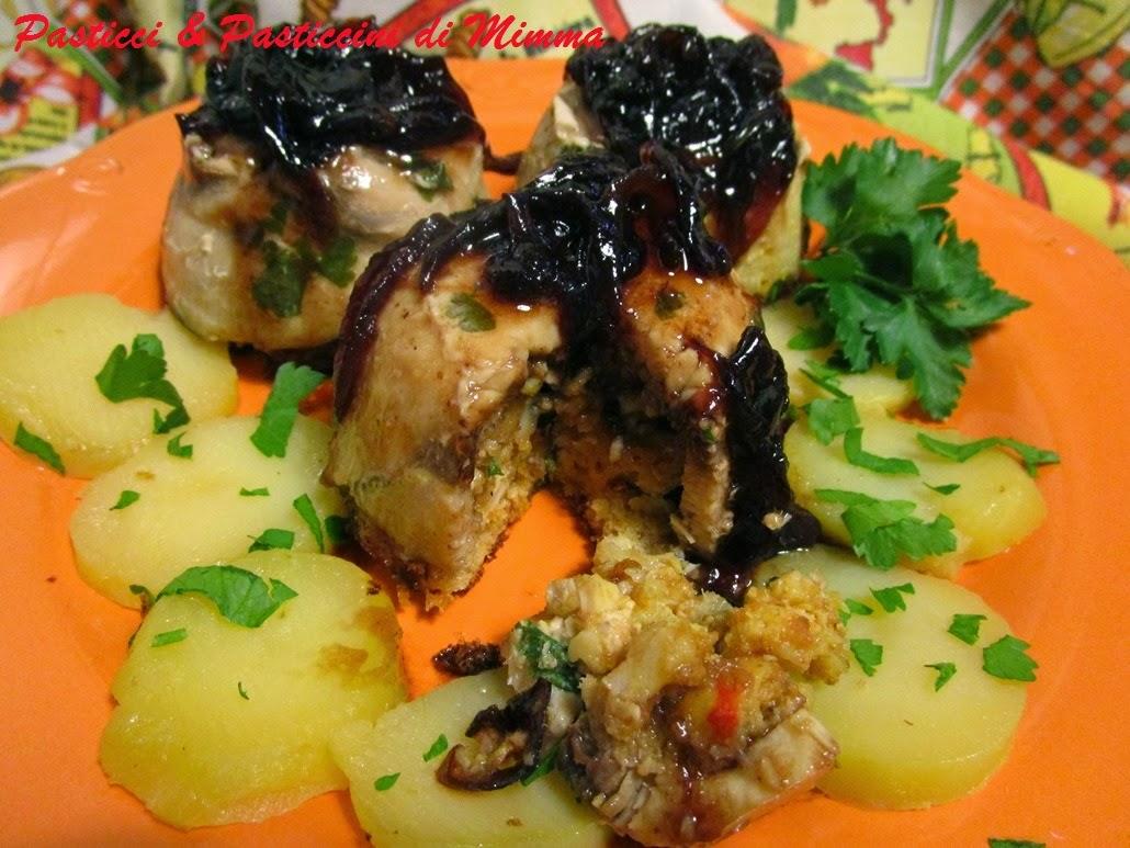 sformatini di pesce spada con cipolle caramellate in agrodolce su letto di patate prezzemolate