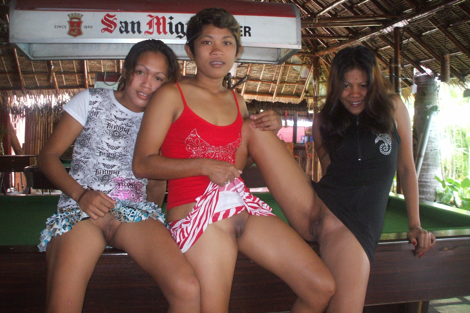 Amatuer filipina bar girls