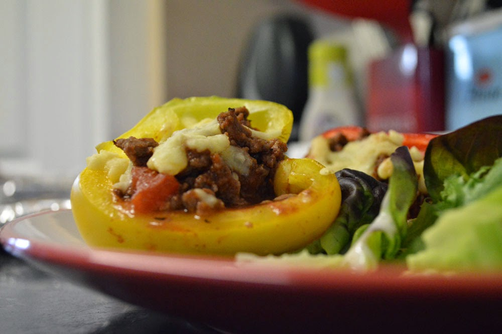Healthy stuffed peppers with salad