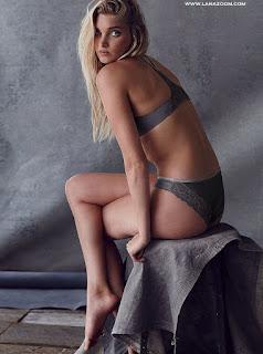 عارضة الأزياء إلسا هوسك في أحدث تصاميم الملابس الداخلية يوليو 2015