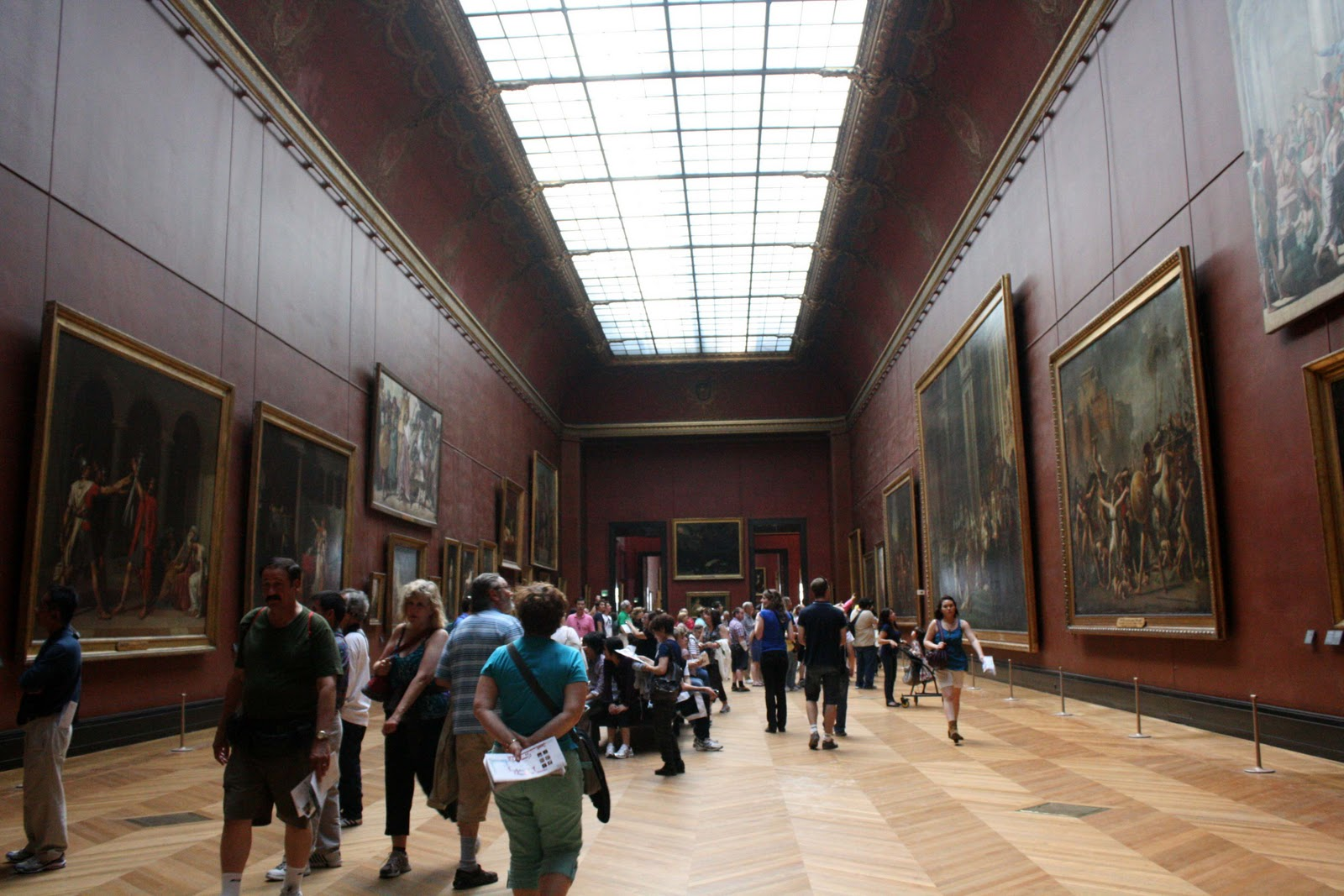 "museum tour of louvre See masterpieces of art on a carefully planned tour of the louvre museum in paris, and see the best of the collection in 2 hours skip the lines to enjoy fast track entry, and head to gems such as the ""mona lisa,"" as well as some lesser-known sites discover one of the world's great art ."