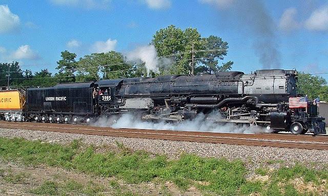 Gambar Kereta Api Lokomotif Uap Union Pacific Challenger 4-6-6-4 3985 05
