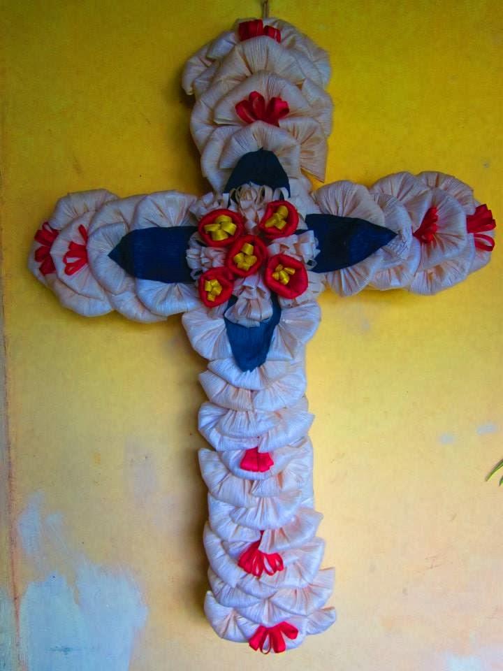 : Artes y oficios 8: Martha García, fabricante de coronas de muerto