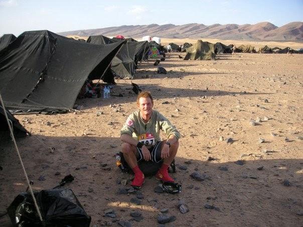 mark runs through the sahara desert