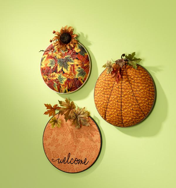 Fall Pumpkin Hoops @crafsavvy #craftwarehouse #pumpkin #embroidery #hoop #dyl #homedecor