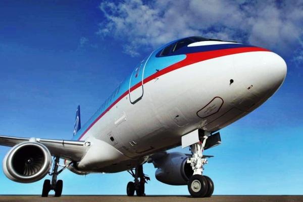 Sukhoi Superjet 100 (SSJ 100)