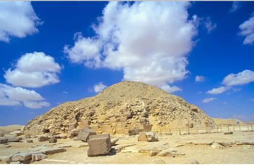Pirâmide de Unas em Saqqara