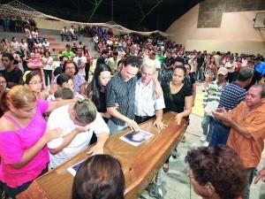 Velório do jornalista goiano Lucas Fortuna (Foto: Benedito Braga/Jornal O Popular)