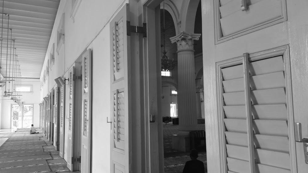 Ruang solat Masjid Sultan Abu Bakar