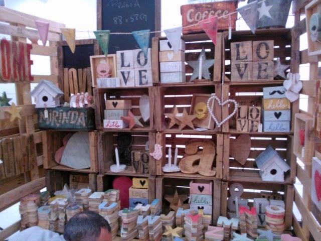 Caja, letras y forma varias de madera reciclada de Atelier Vintage 50 en funkypatch