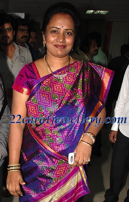 Celebrity wearing mangal sutra beads