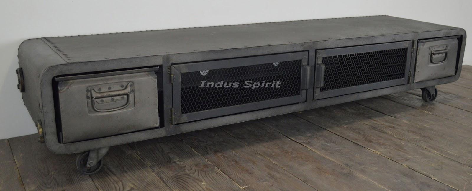 meuble tv industriel riveté