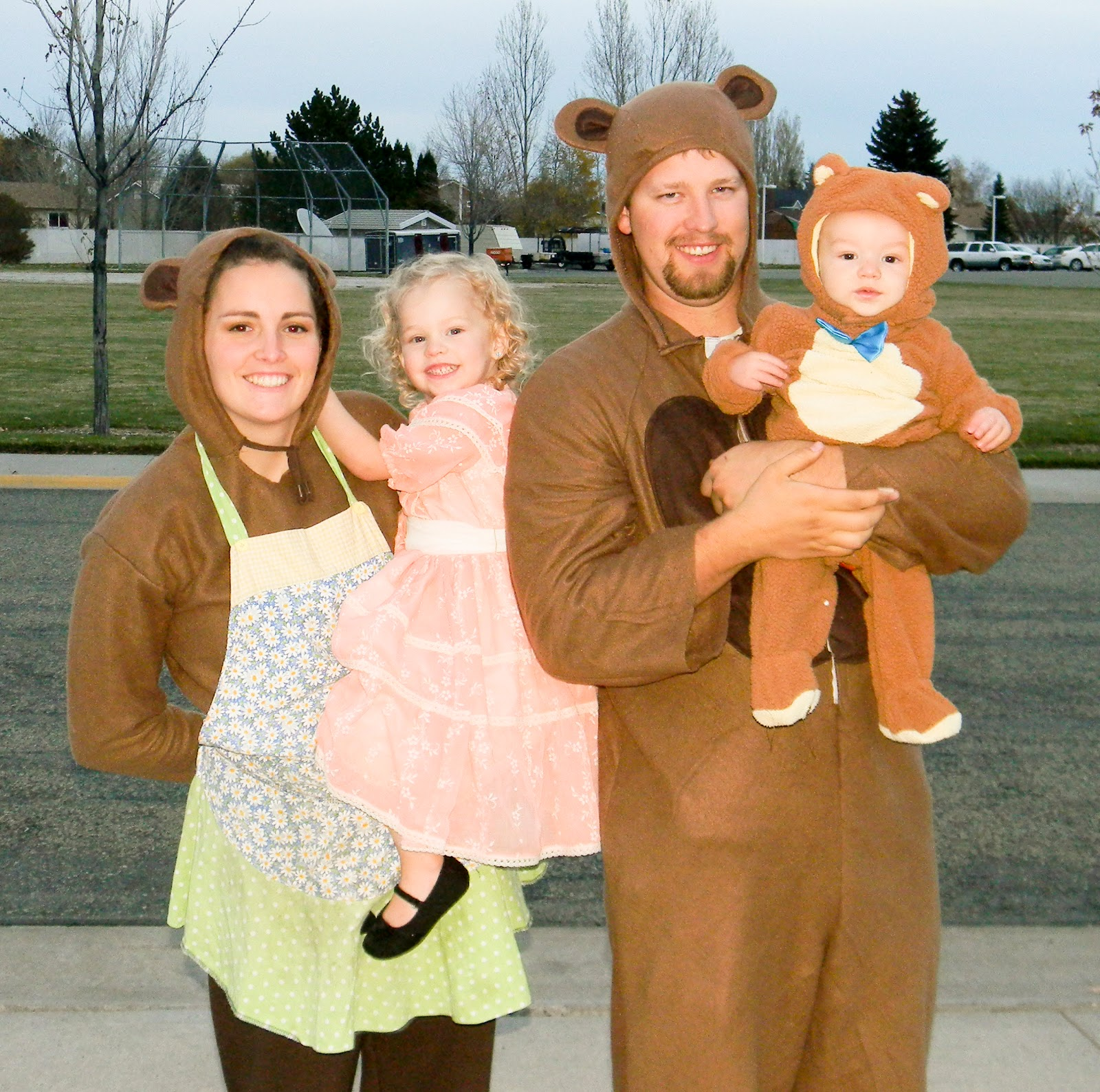 our halloween costumes goldilocks the three bears and incognito family - Goldilocks Halloween Costumes