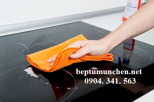 bảo quản và vệ sinh bếp từ