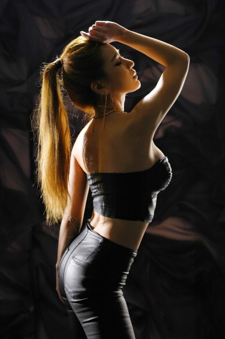 Park Si Hyun - Sexy Poses