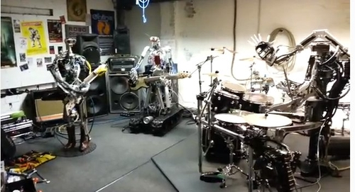 01-Compressorhead-Automatons-Stickboy-Fingers-Bones