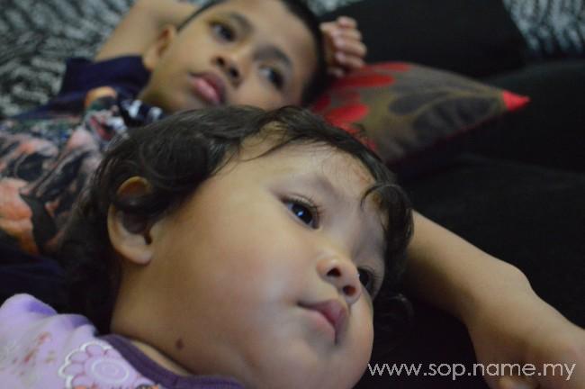 Wajah-wajah anak menonton TV
