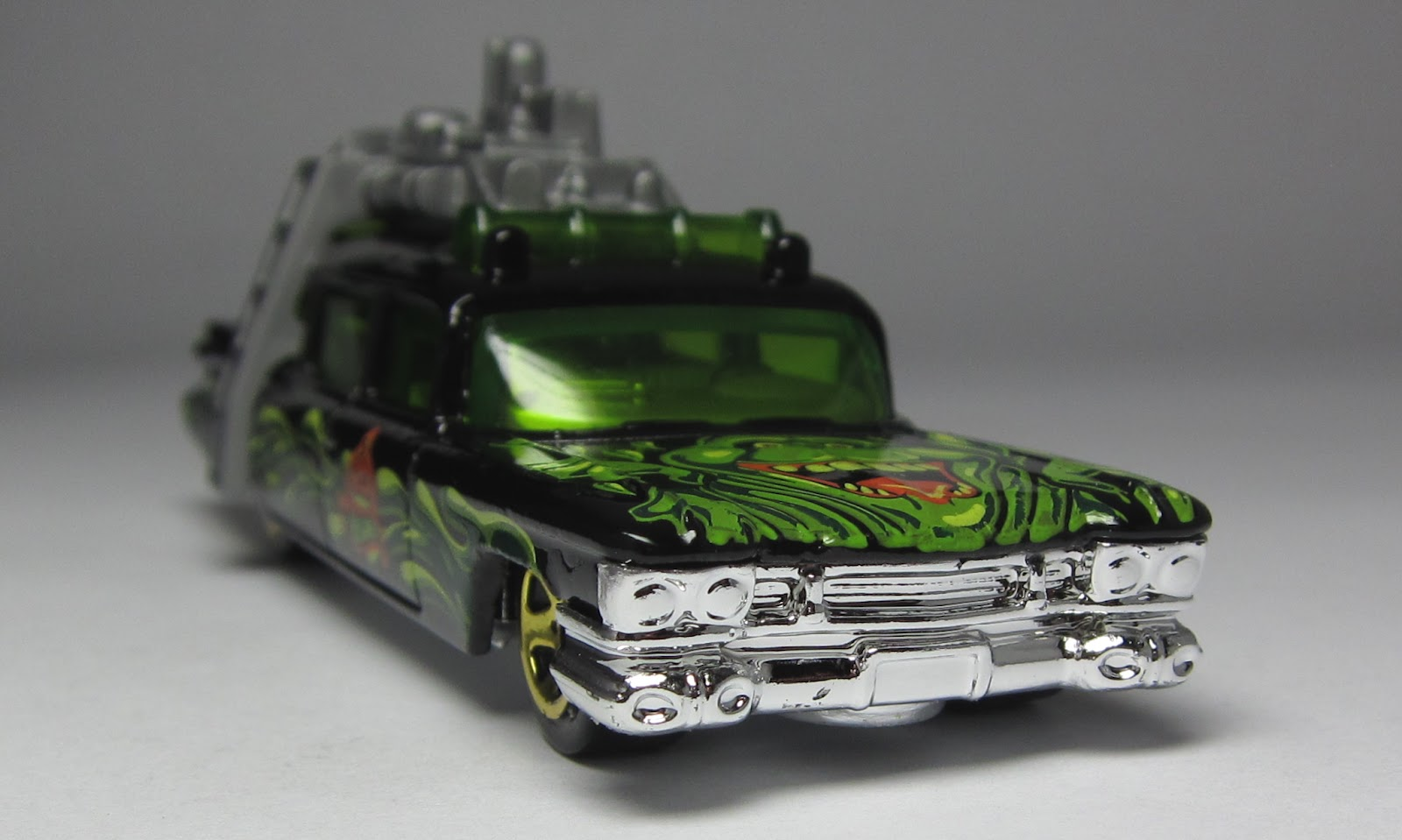 first look hot wheels halloween exclusive 1966 batmobile and ghostbusters ecto 1 - Hot Wheels Cars 2012