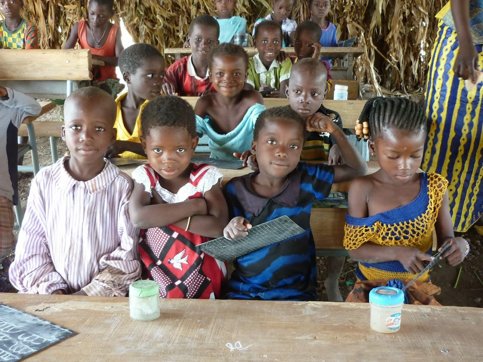 notre projet, la classe de Ladré pour les enfants sous la paillotte