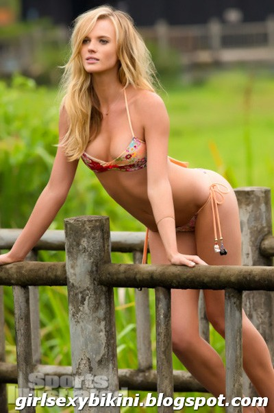 Anne V - Hot lingerie model in Sports Illustrated magazine
