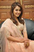 Rashi Khanna glamorous photos-thumbnail-16
