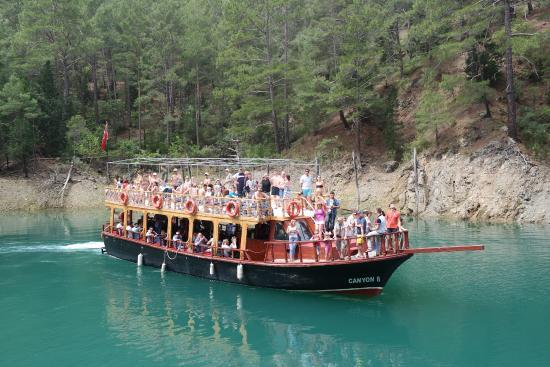 جولات سياحية في انطاليا تركيا, رحلة القارب في الوادي الأخضر