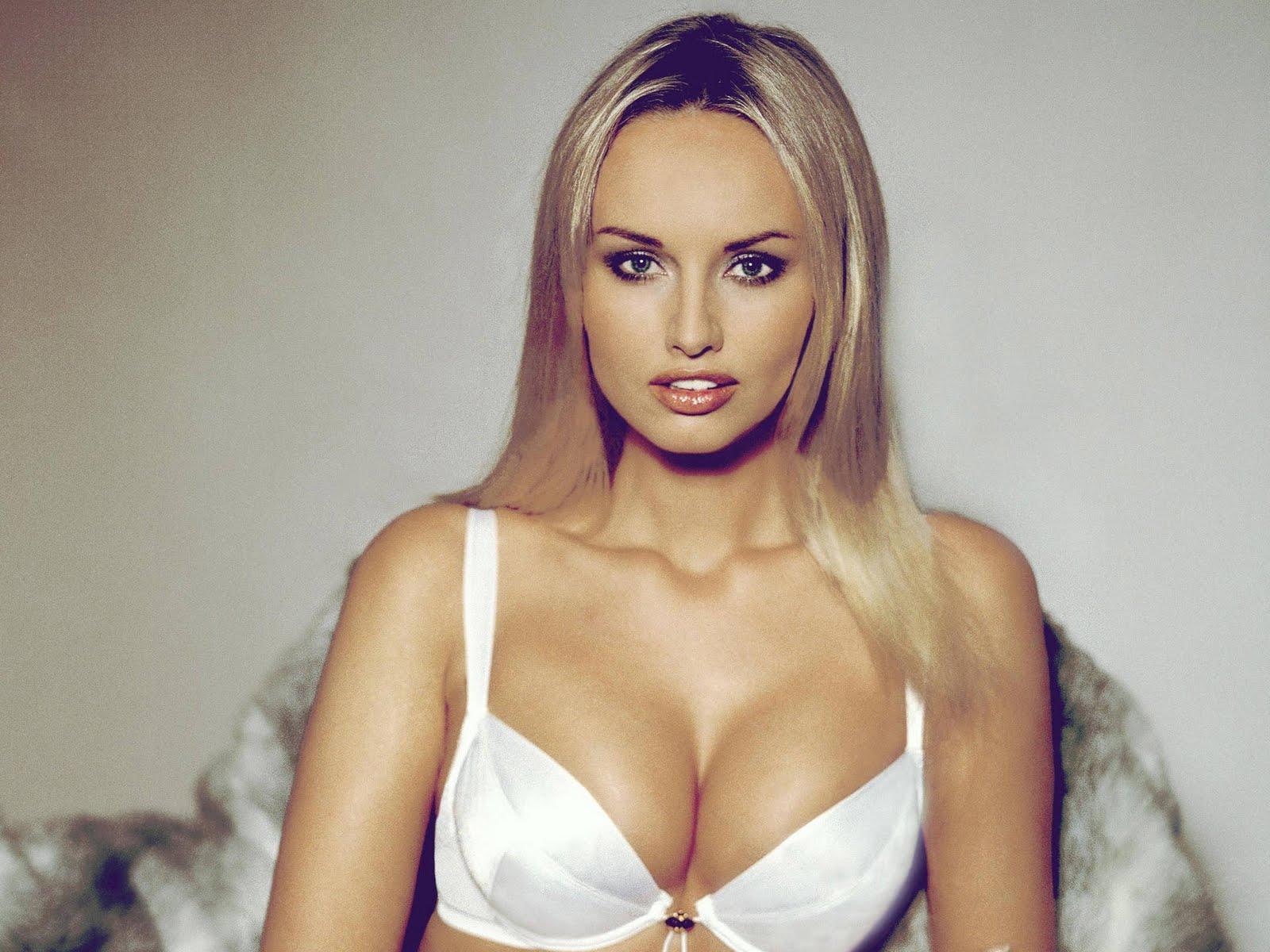 Celebrity hot image adriana sklenarikova