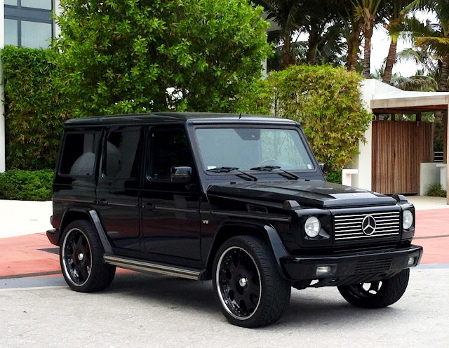 Black mercedes g wagon at the w hotel miami beach for Mercedes benz g wagon 2012