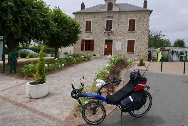 Randonnée cycliste passage à Condé sur Vesgre