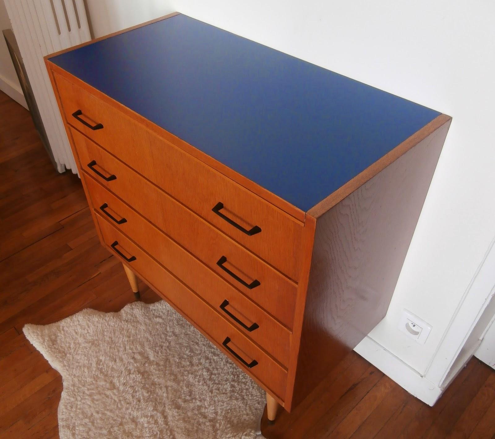 dur e de vie ind termin e petite commode bleu cosmos. Black Bedroom Furniture Sets. Home Design Ideas