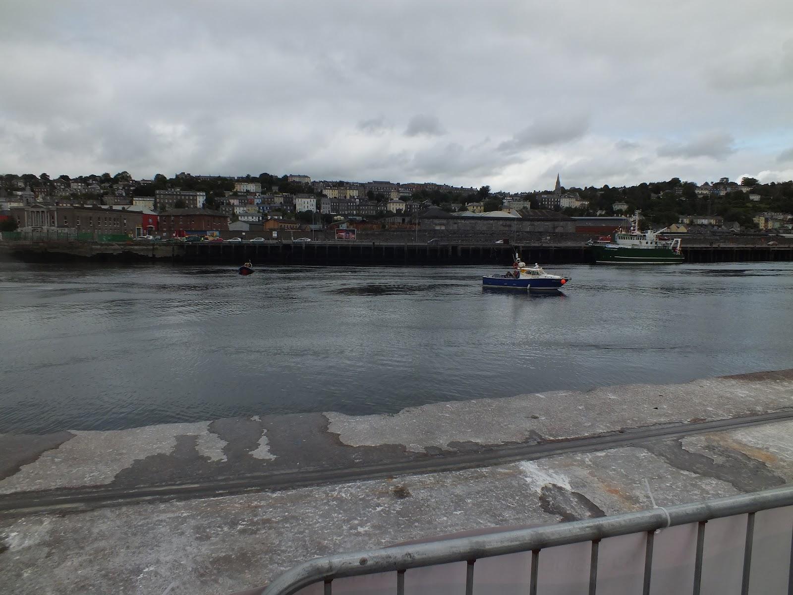 Und das Meer wird allen neue Hoffnung geben... Corks Maritime Seiten