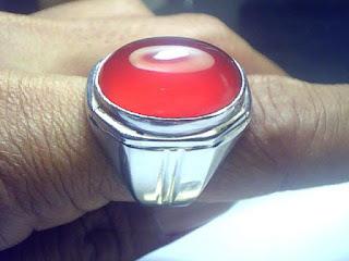 Batu Cincin Yaman Darah
