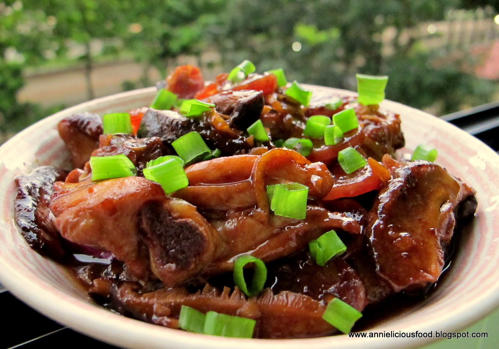 Annielicious food stir fried chicken with mushroom chinese sausages the ingredient forumfinder Choice Image