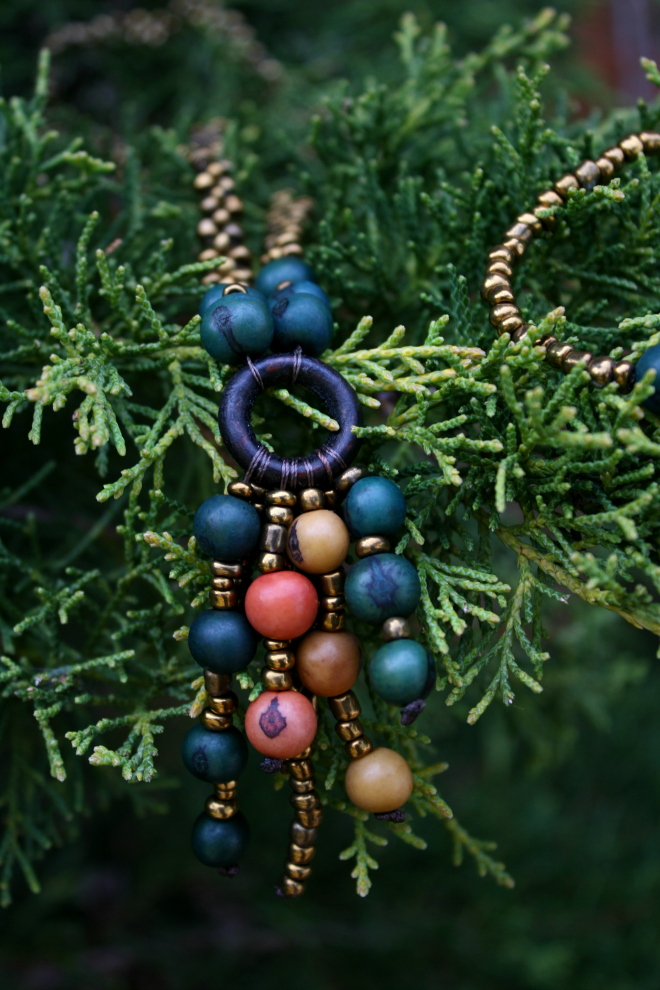 Greenola Style acai seed necklace