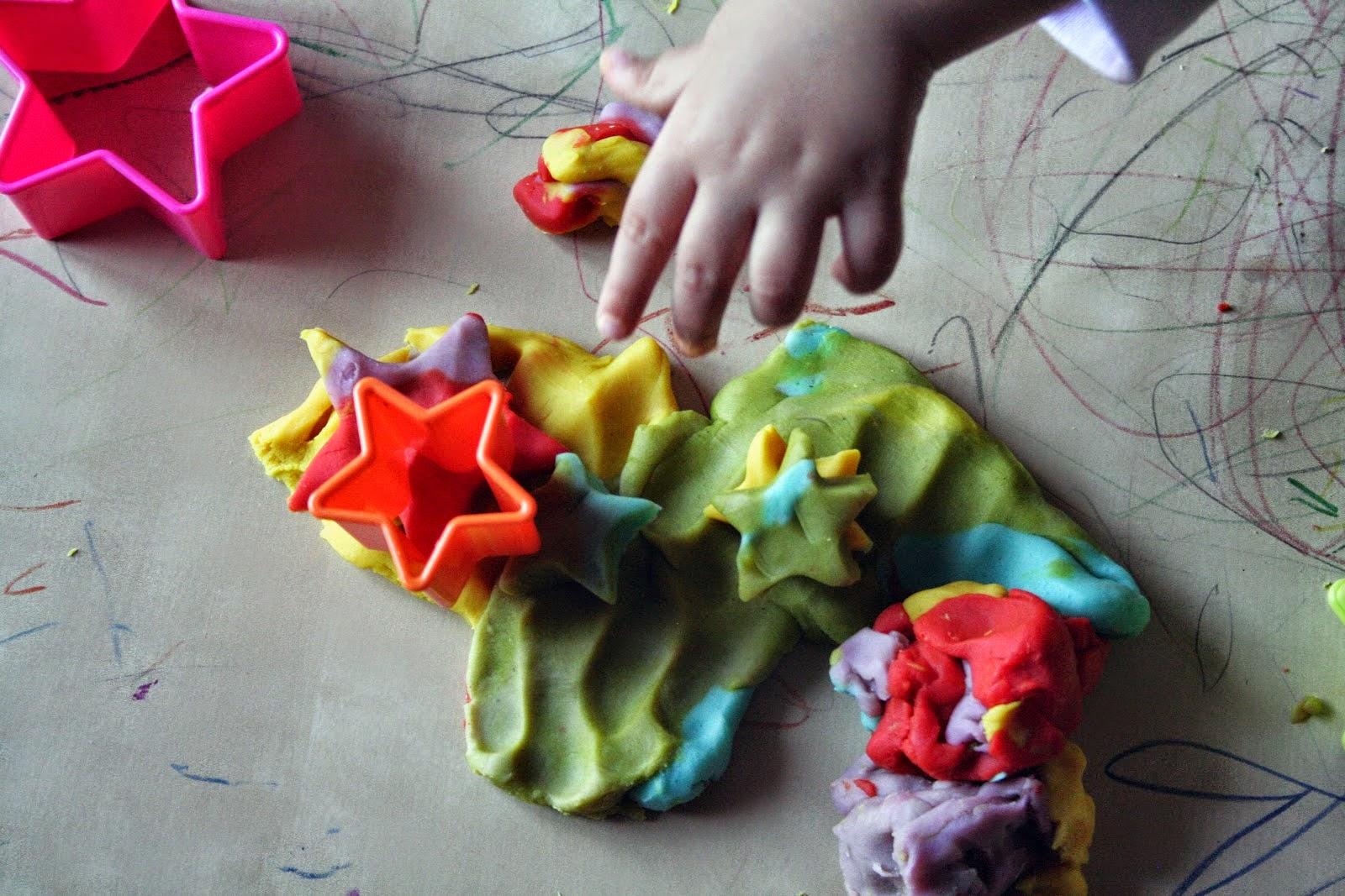 Stimolare la creatività dei bambini con giocattoli fai da te