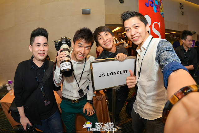 Photographers and JS buddies =D