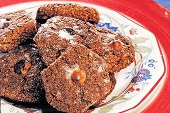 Damla çikolatalı fındıklı kurabiye Tarifi