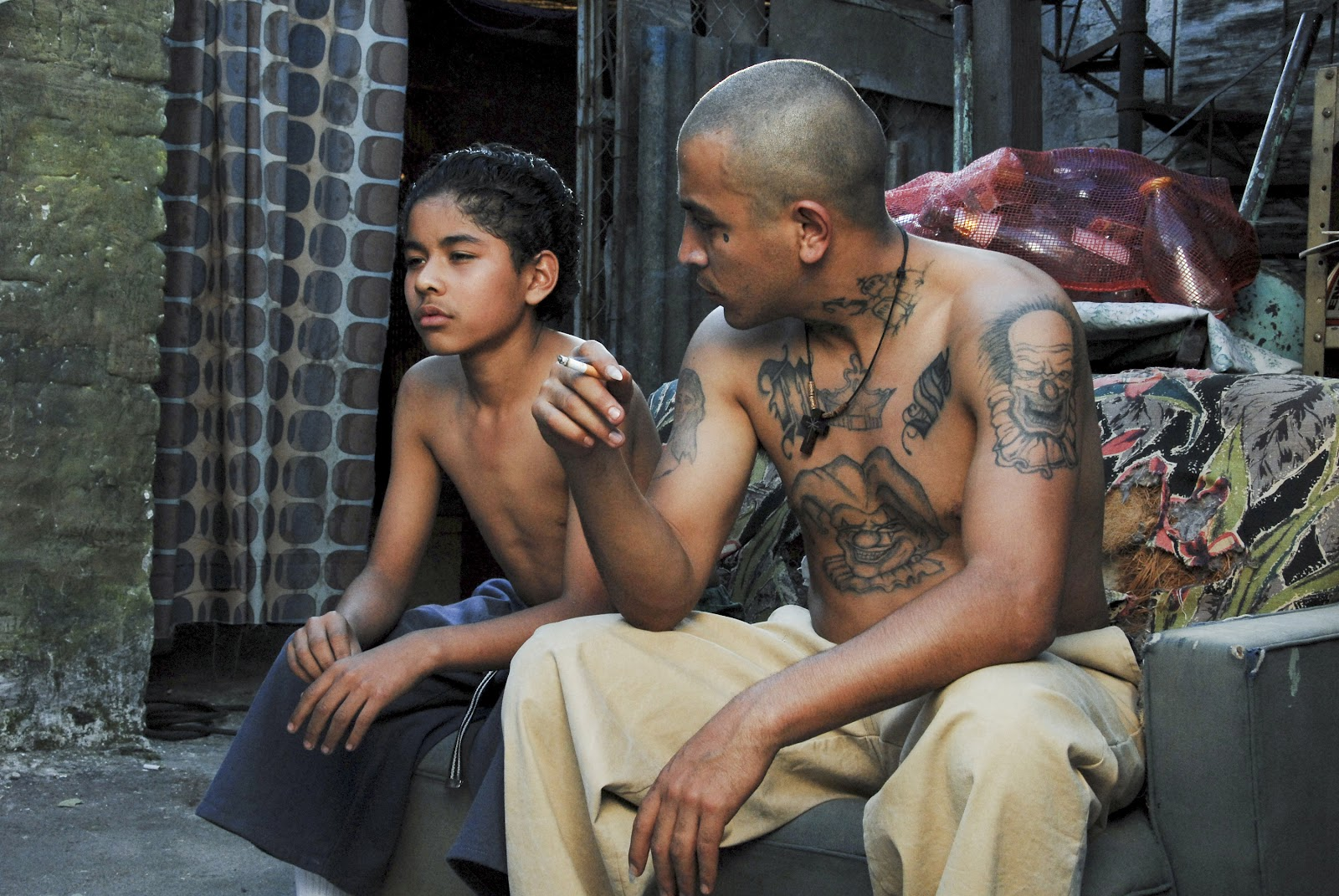 gangs and juvenile delinquency in the Juveniles and gangs: prevention through education these established gang crime prevention programs aim to educate the legislation seek changes to juvenile.