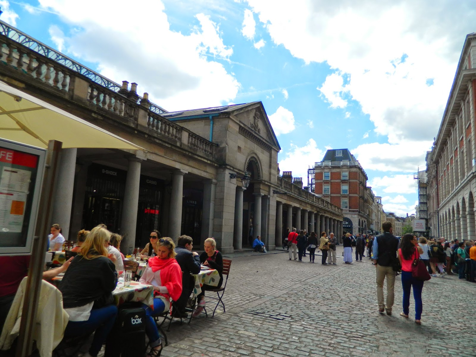 covent garden architecture people outside sun clear day summer roof eating sitting