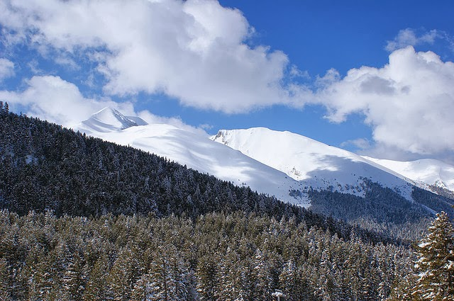 One of the most popular winter destinations in Bulgaria is the Bansko Ski Resort. Photo: Mathatbat.
