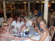 Jantar em frente as pirâmides Grupo Era de Ouro 2008