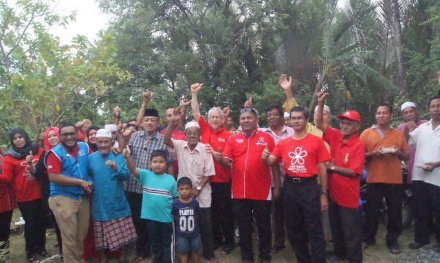CONGRATS! MORE THAN 1,000 UMNO MEMBERS JOIN IN BERSATU PAKATAN HARAPAN IN PERLIS !!