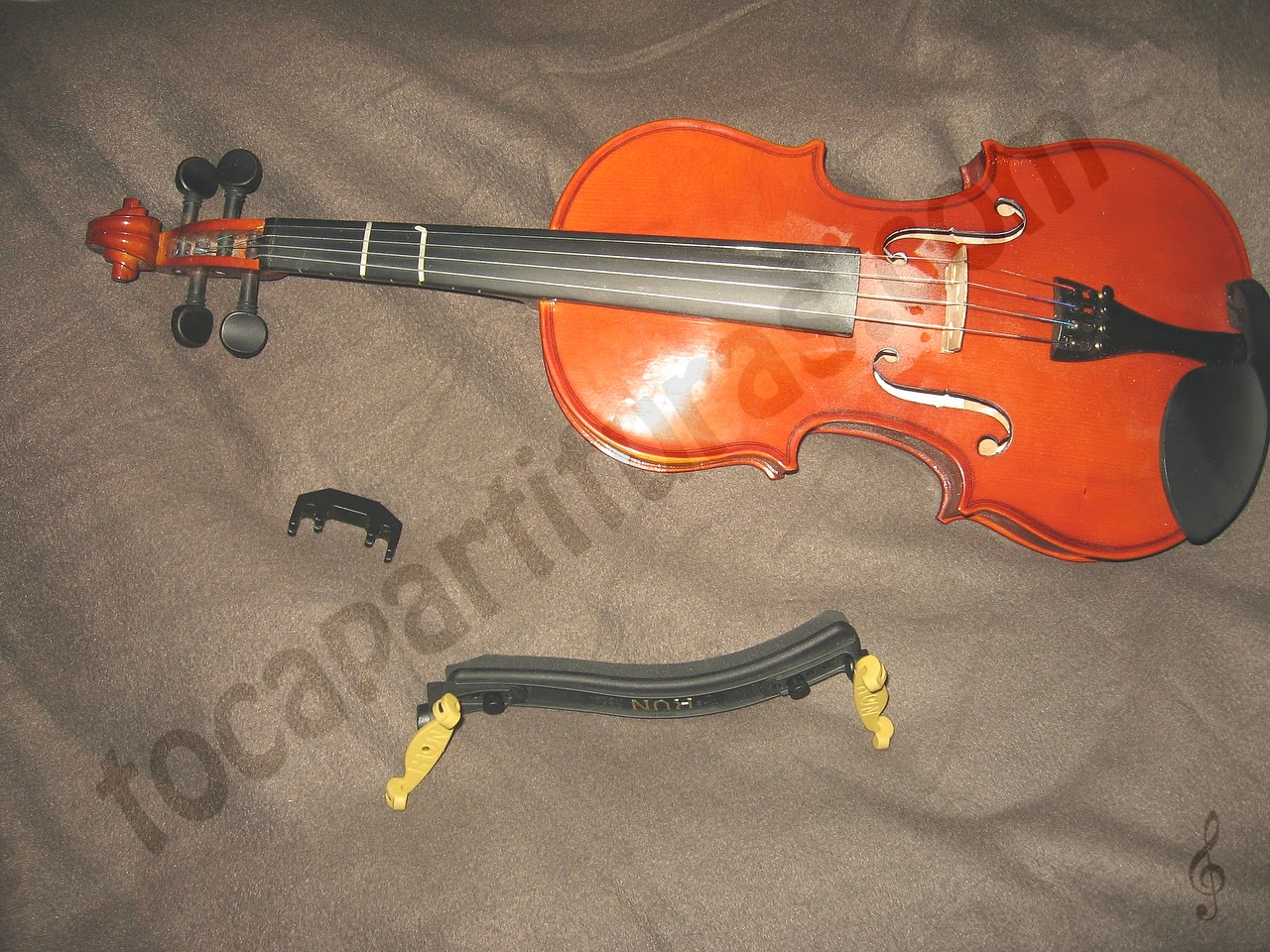 Arreglar el clavijero de un violín de forma casera o marcar los trastes en un violín de forma manual, al estilo de guitarra