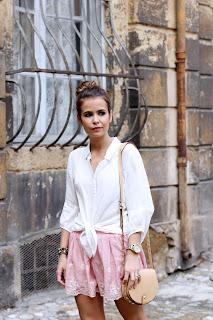 http://3.bp.blogspot.com/-LsF9d-mTzZM/UaVf02WTNDI/AAAAAAAATdE/HbdiC5MOFM4/s1600/Striped_Shorts-Red_Soul-Aix_en_Provence-Glitter_Flats-Rebecca_Minkoff-Street_Style-Outfits-Topknot-11.jpg